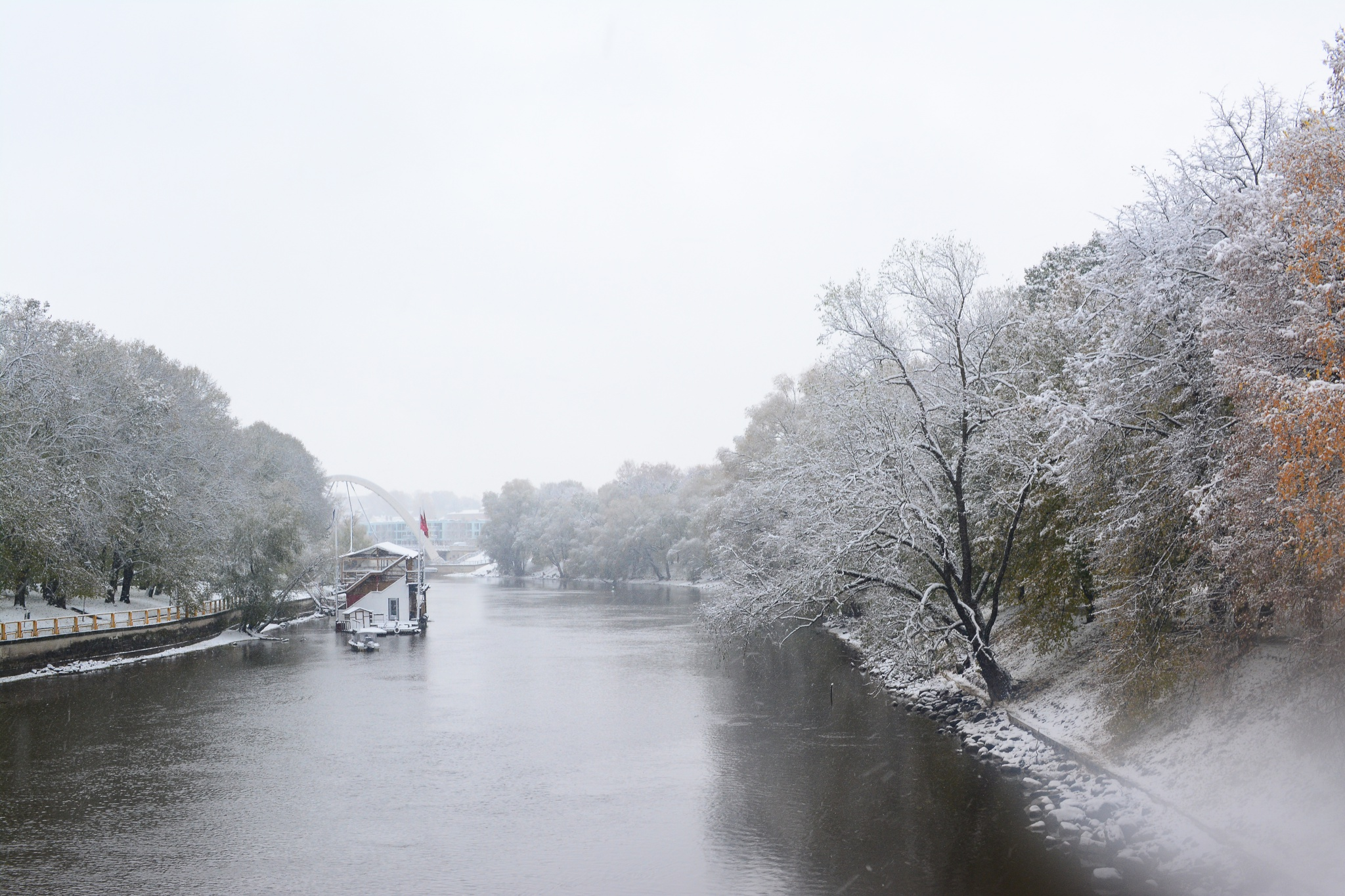 snow river winter